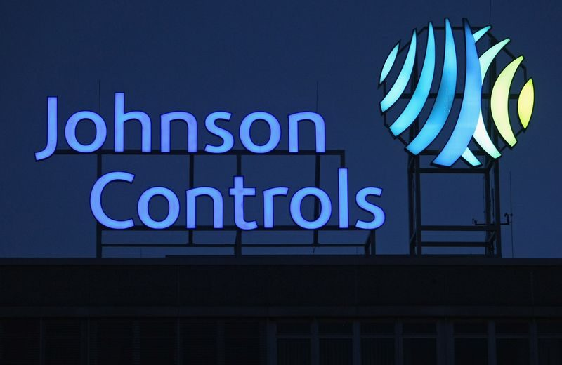 Johnson Controls cede la divisione batterie
