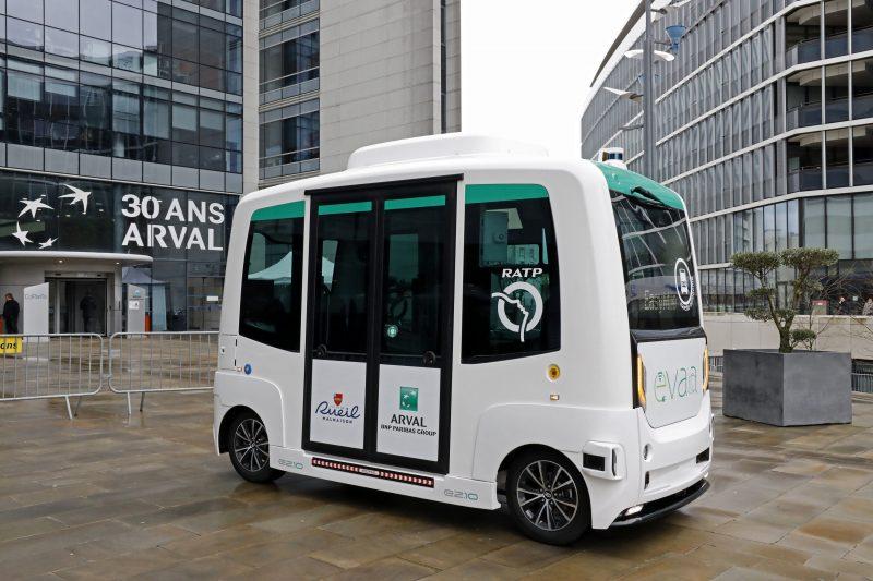 ARVAL: al via il test di shuttle a guida autonoma su strada pubblica in Francia