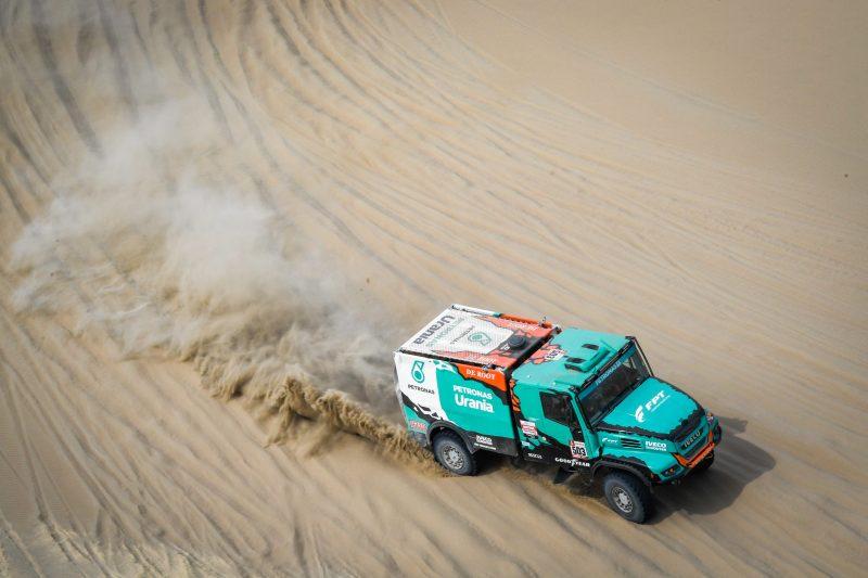 Doppio podio per il Team PETRONAS De Rooy IVECO nella 1° tappa della Dakar 2019