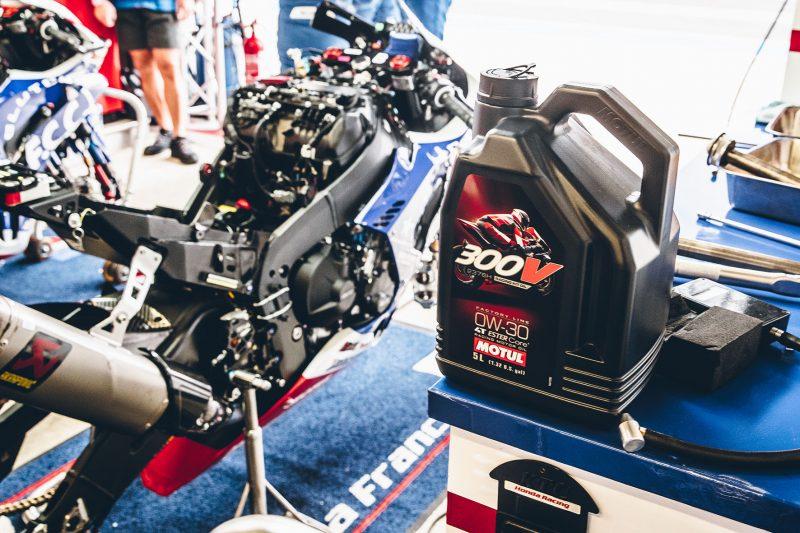 Lubrificanti: Motul introduce il nuovo 300V Factory Line Racing Kit Oil 0W-30 per la Honda CBR 1000 RR-R