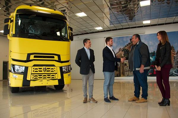 Renault Trucks Gamma T: un trattore speciale per la distribuzione alla GDO