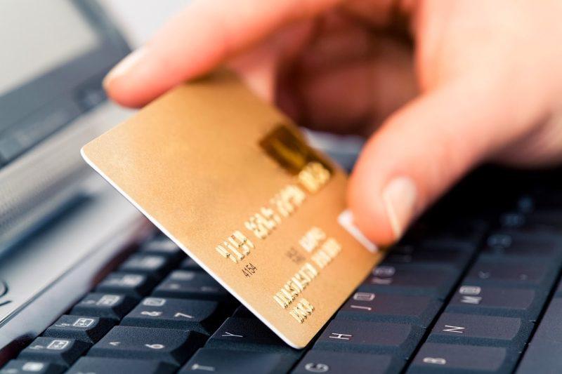 """Dilaga il """"phishing"""" assicurativo, sempre più polizze false online"""