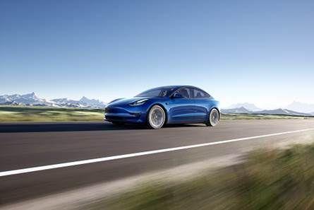 Tesla alla prima edizione di Bluexperience, il salone della mobilità sostenibile
